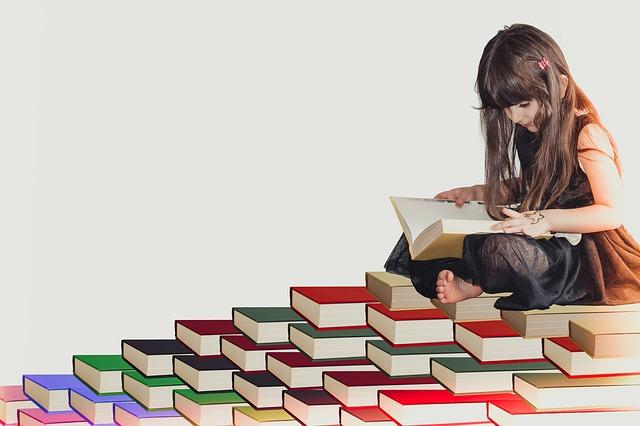 知識を深める女の子
